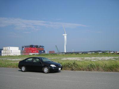 御前崎港の埠頭の風車