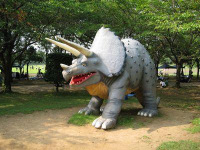 八坂公園の恐竜