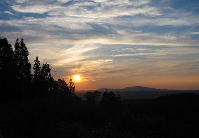 魚沼スカイライン・八箇峠見晴台からの夕日